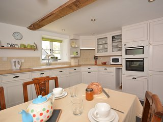 42365 Cottage situated in Beaminster (6mls NW)