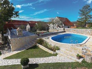 3 bedroom Villa in Tarabnik, Splitsko-Dalmatinska Županija, Croatia : ref 558350