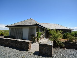 37126 House situated in Crackington Haven