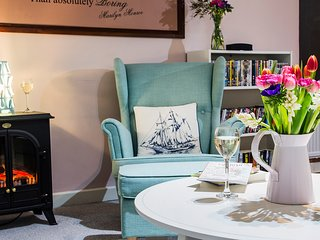 Over Sea. Sleeps six in the heart of Mevagissey
