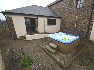 43994 Barn situated in Bude (6mls SE)