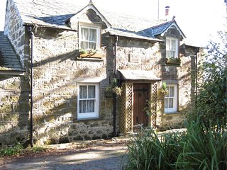 FCOTT Cottage situated in Port Isaac (3mls E)