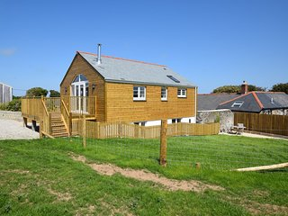 45283 House situated in St Agnes (2.5mls SW)