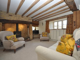 56638 Apartment situated in Guiting Power