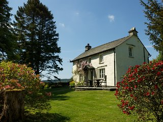 LLH44 Cottage situated in Hawkshead Village