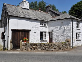 HOMLE Cottage situated in Boscastle (10mls SE)