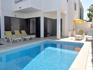 3 bedroom Villa in Vilamoura, Faro, Portugal : ref 5455950
