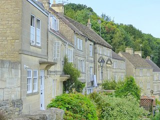 46868 House situated in Bradford-on-Avon