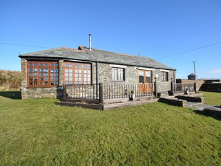 SUNDA Cottage situated in Tintagel (4mls S)