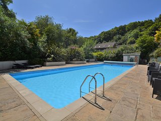 41892 Bungalow situated in Charmouth