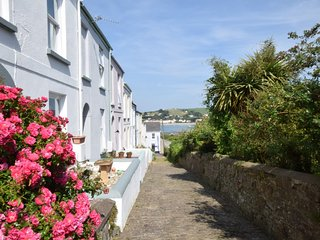 CURLE Cottage situated in Appledore