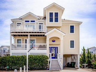 Oyster Catcher: 5 BR / 5 BA six bedroom house in Corolla, Sleeps 12