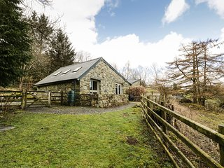 OWL COTTAGE, pet friendly, country holiday cottage, with a garden in Dolgellau