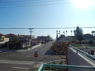 Downtown Pismo Beach Condo 1 block From the Beach & Boardwalk w/ Deck