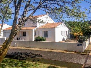 3 bedroom Villa in La Bree-les-Bains, Nouvelle-Aquitaine, France : ref 5514867