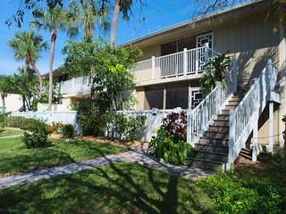 Westbay Cove South 745 - Condo