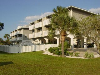 Stunning 2BR/2BA Condo w/ 3 Lanais Each Providing Scenic Views of the Gulf