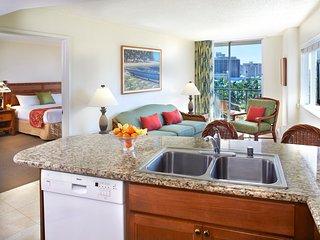Luana Waikiki Hotel and Suites - 5-1 Bedroom w/ Kitchen