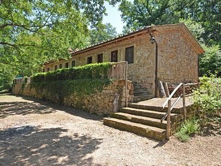 2 bedroom Apartment in Capalbio, Tuscany, Italy : ref 5240285
