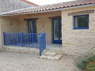 La Petite Maison Bleue - with heated pool