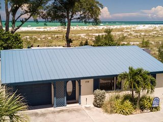 Spacious 3B/2B Gulf Front Home on the tranquil north end of Anna Maria Island