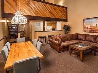 Aston Lakeland Village Beach & Mountain Resort - Pinegrove: 2-Bedroom w/ Loft To