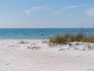 Peaceful and Relaxing 2BR/2BA Gulf Front Home Steps from the Beach, w/ Free Wifi