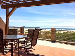 Oceanfront End Unit Condo w/ Free WiFi, Fireplace, Decks & BBQ