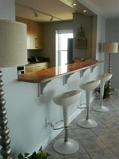 Bar/passthrough from living area to kitchen