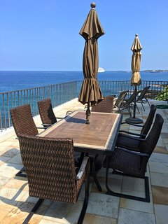 Royal Sea Cliff #314 - Oceanfront patio seating