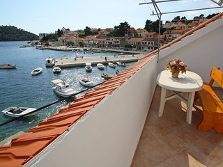 4 bedroom Apartment in Brna, Dubrovacko-Neretvanska Zupanija, Croatia : ref 5519