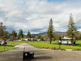 Silverado Ground-Floor 1BR w/ Pool, Hot Tubs, Golf Course & Atlas Peak Views