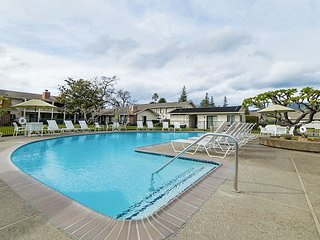 Silverado 1BR/1BA w/ Pool & Patio - Near Wine Tasting & Michelin Star Dining