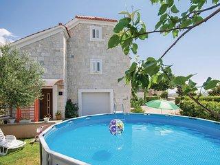2 bedroom Villa in Vranjic, Splitsko-Dalmatinska Zupanija, Croatia : ref 5532760