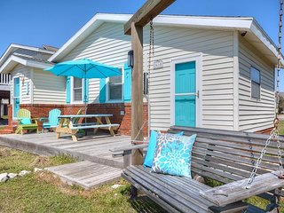 2BR Knotty Pine Cottage w/ Beach Views – Newly Furnished, Steps to Beach