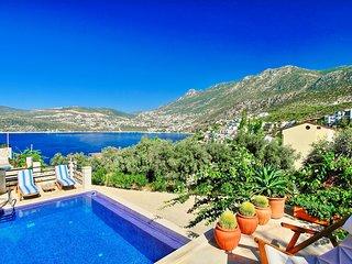 Villa Secilia: Modern villa in Kalkan with pool close to the beach