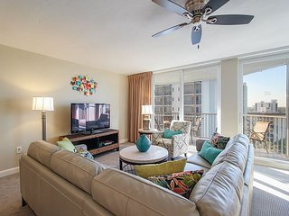 3BR/2BA Unique Beachfront Condo with Stunning Beach and Bay Views