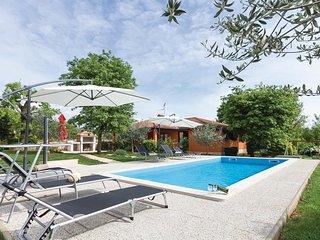 3 bedroom Villa in Sveti Lovreč Pazenatički, Istria, Croatia : ref 5520425