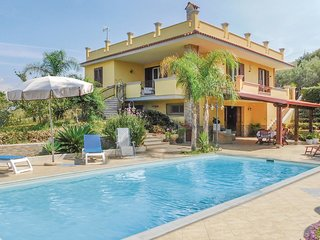 4 bedroom Villa in Puma, Sicily, Italy : ref 5583410