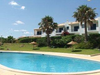 3 bedroom Apartment in Praia da Oura, Faro, Portugal : ref 5455415