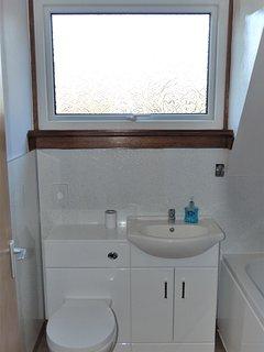 Lodge 4 bathroom