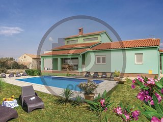 3 bedroom Villa in Fondole, Istarska Županija, Croatia - 5583493