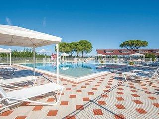 2 bedroom Apartment in Fattoria Grancia, Tuscany, Italy : ref 5523573