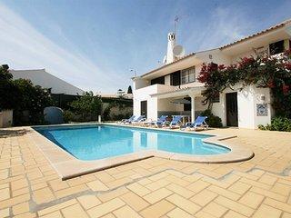 6 bedroom Villa in Praia da Oura, Faro, Portugal : ref 5456567