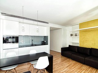 Cathedral Design Apartments . Aliados . P0T