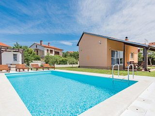 2 bedroom Villa in Valbandon, Istria, Croatia : ref 5520137