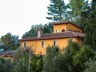 Escape to a Tuscan Farmhouse Apartment, Sleeps 4
