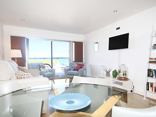 8 The Point is a stunning apartment overlooking Fistral Beach