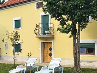 3 bedroom Villa in Kraljevica, Primorsko-Goranska Zupanija, Croatia : ref 558348