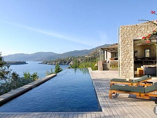 5 bedroom Villa in Kardamyli, Peloponnese, Greece : ref 5433520